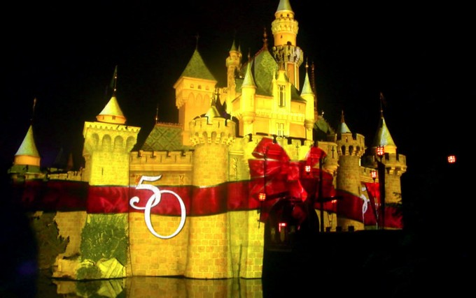 DISNEYLAND RESORTS, Projection Mapping