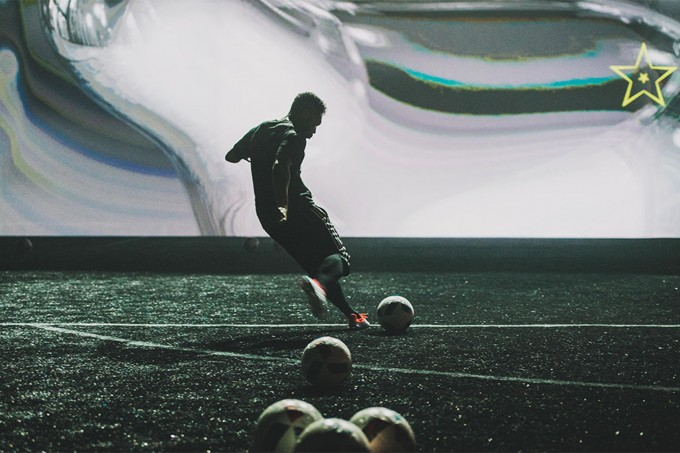 ADIDAS, Interactive Projection Screen